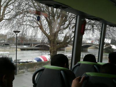 Paris_Metro_Blick auf Seine und Eiffelturm