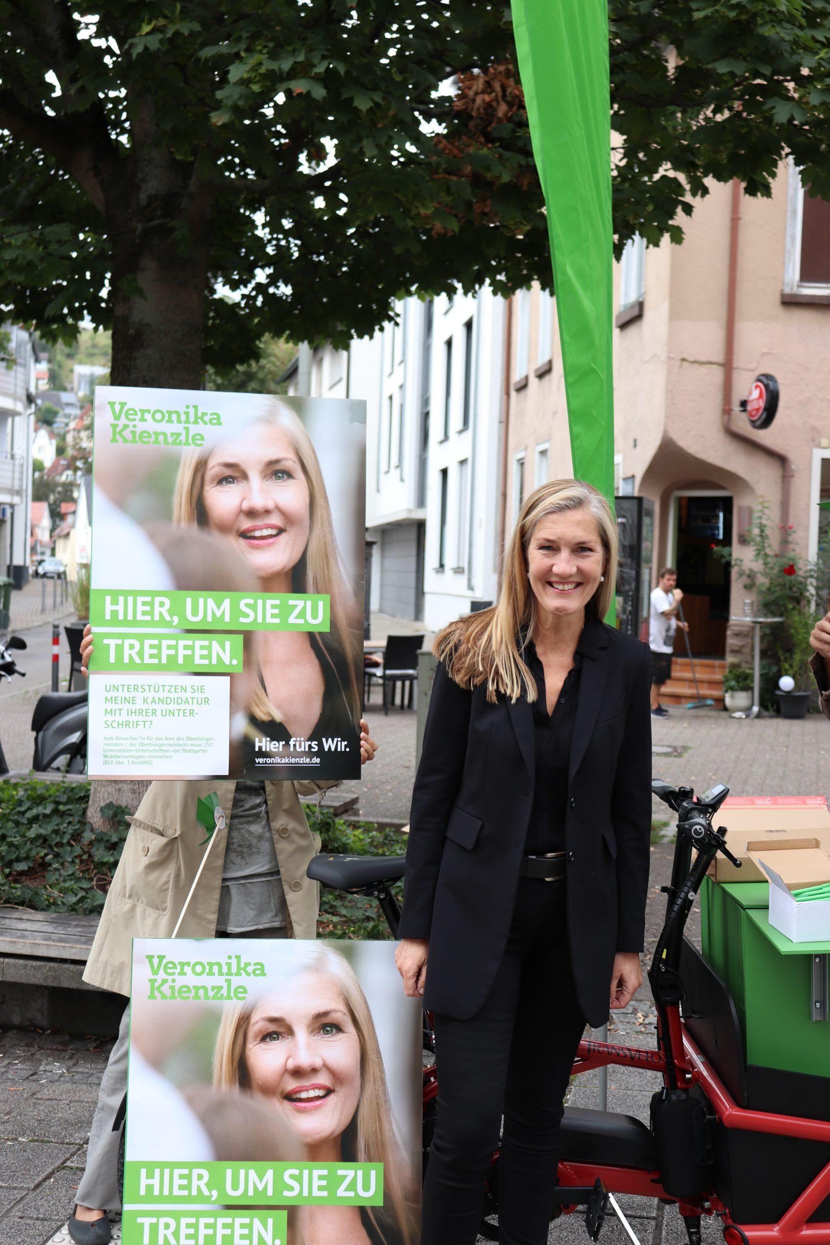 Unterschriftenaktion für die OB Bewerbung von Veronika Kienzle